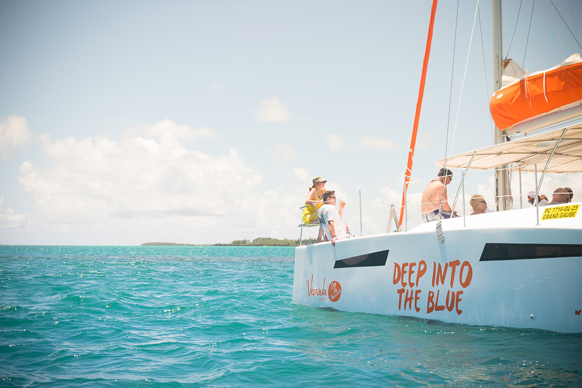 Raise the sails with the catamaran of Veranda Resorts