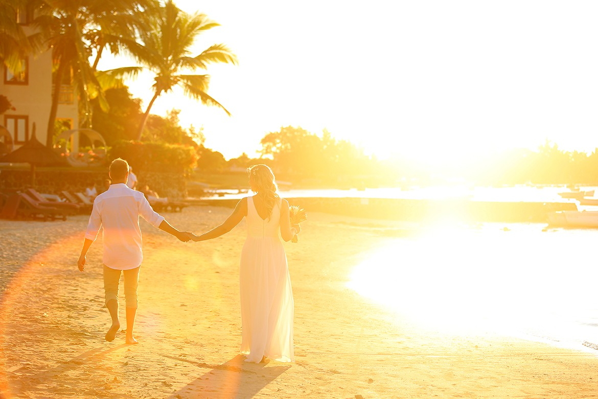 Romantic wedding in a tropical island in the Indian Ocean